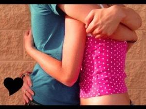 Світовий рекорд: У США чоловік за добу обняв 7777 осіб