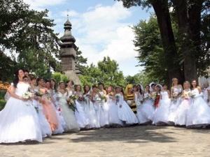 Парад наречених скоро пройде у Луцьку
