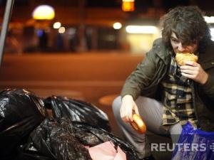 Німецька молодь вважає модним порпатися у смітті