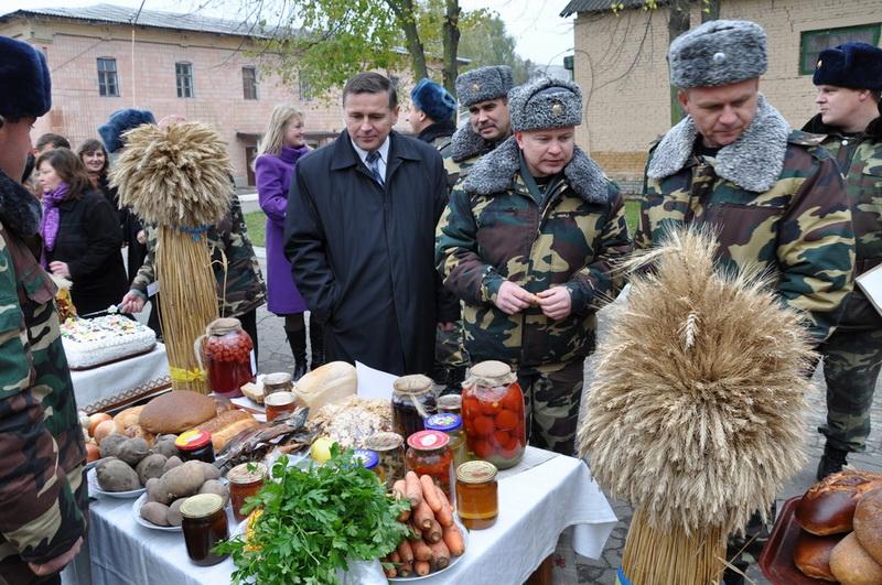 У Луцьку прикордонники показали свої кулінарні здібності