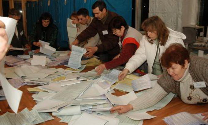 Підрахунок голосів по виборах проходив на Волині злагоджено, хоч і довго