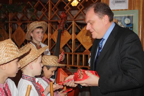 Міністр культури та туризму привіз до Ківерець кіноустановку