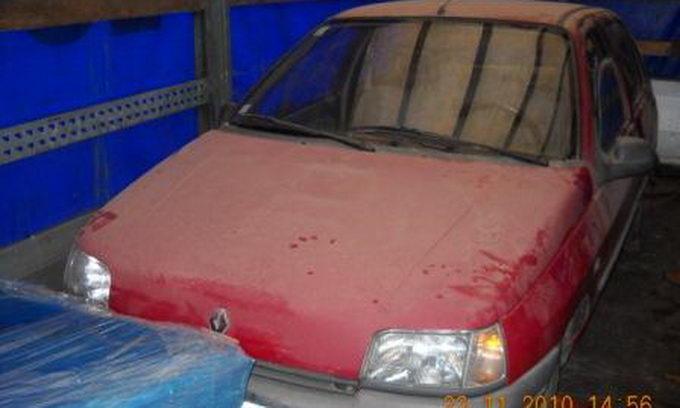 Волинські прикордонники затримали автомобіль-«матрьошку». Фото
