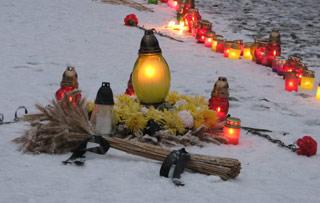 У Луцьку вшанували жертв Голодоморів 30-х років