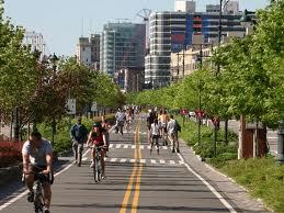 Лучан хочуть пересадити з маршруток у тролейбуси та на велосипеди