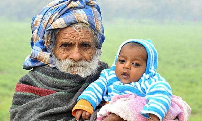 Індус-батрак народив первістка у 94 роки