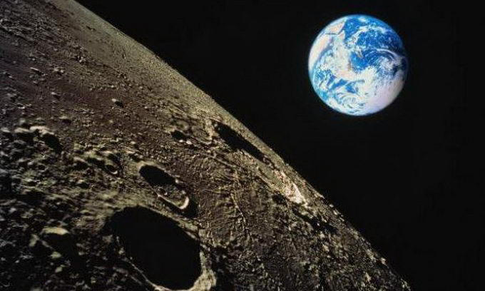 Космічний турист купив перший квиток на політ навколо Місяця