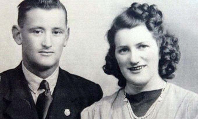 Через півстоліття після розлучення пенсіонери знову одружилися