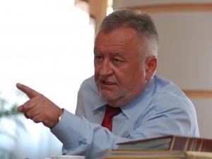 Борис Клімчук пригрозив звільненням начальнику управління соцзахисту