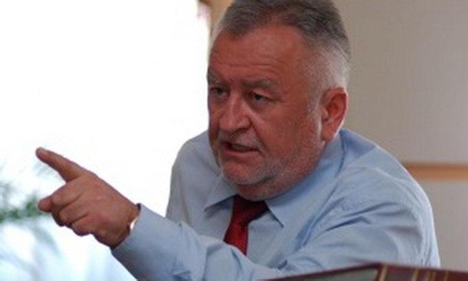 Прем'єр продовжив Борису Клімчуку строк перебування на державній службі