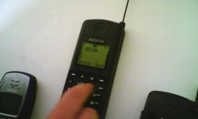 Першим користувачем мобільного на Волині був Клімчук