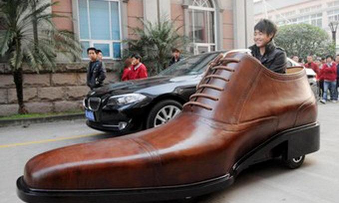 Китайці виготовили електроавто у вигляді черевика