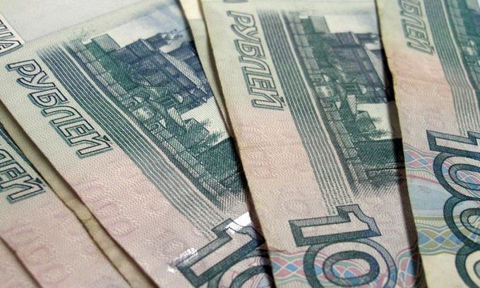 У Саратові інспектор з'їв 15 тисяч рублів хабара