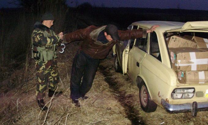 Волинські прикордонники успішно зловили контрабандистів цигарок