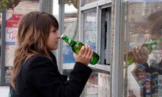 У Луцьку під час рейду виявили 9 фактів продажу алкоголю і сигарет неповнолітнім