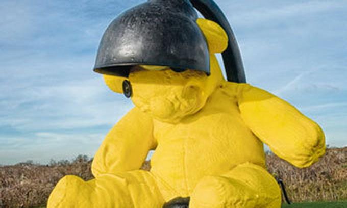 15-тонного плюшевого ведмедя продають із аукціону