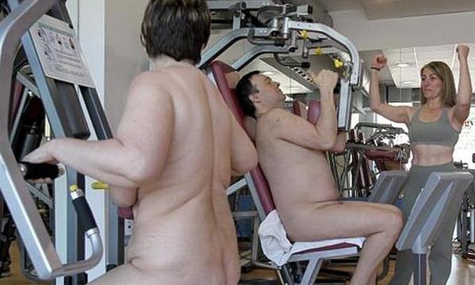 В Іспанії відкрили нудистський спортзал