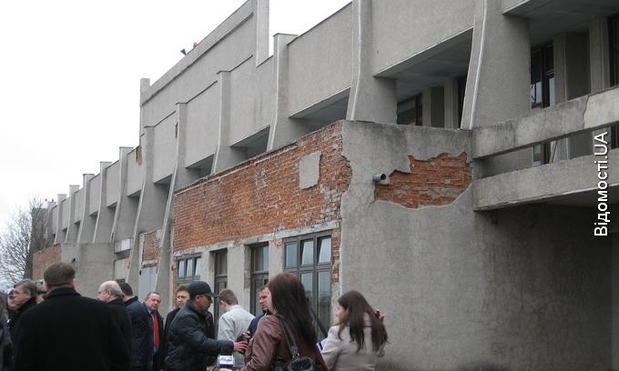 Авторинок із Луцька просять перенести на аеродром у Крупі