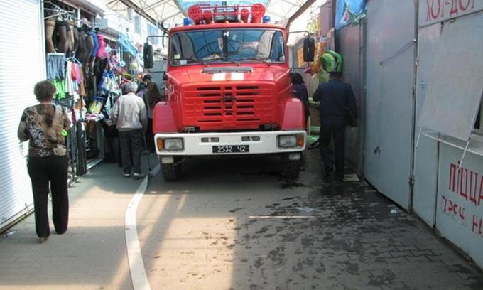 На Центральному ринку Луцька загасити пожежу практично неможливо