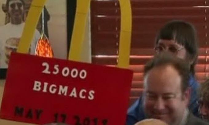 Американець з'їв 25 тисяч бургерів