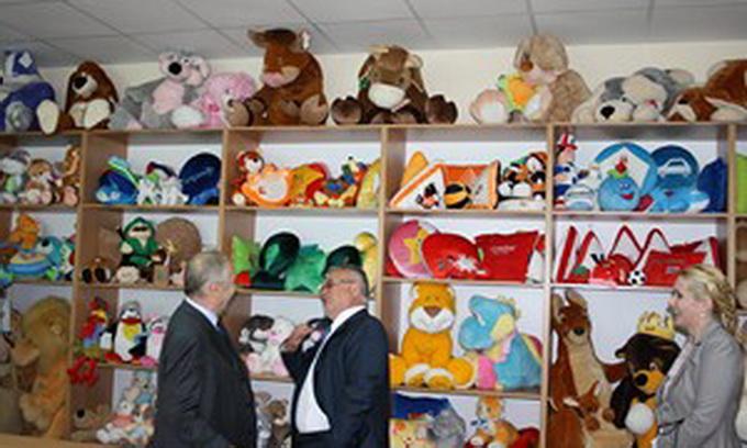 Під Луцьком відкрили фабрику з виробництва іграшок