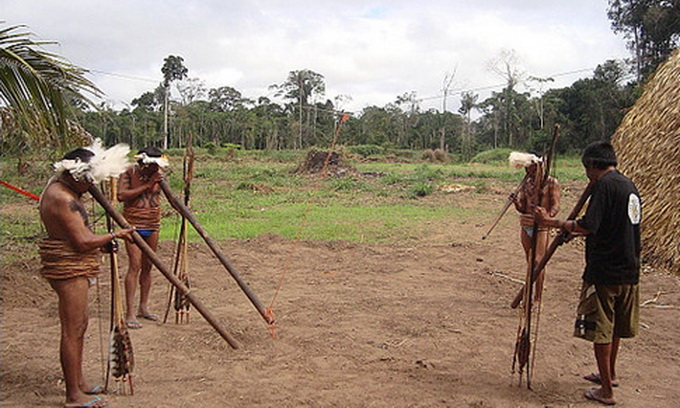 У джунглях Бразилії живе плем'я, яке не знає часу