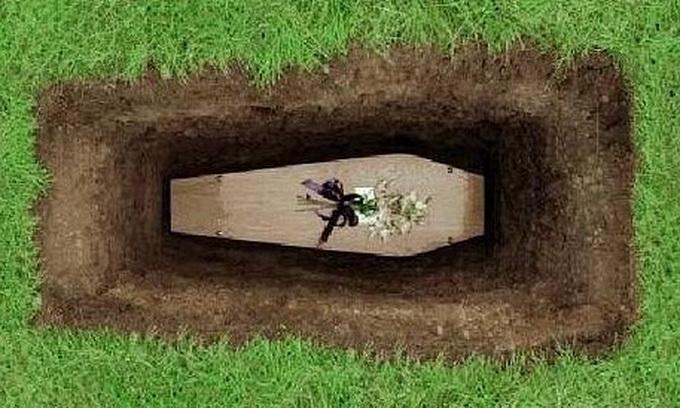 У Луцьку похорони у вихідні стали проблемою