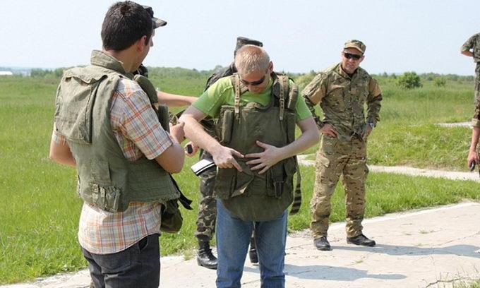 Волинські журналісти взяли в руки зброю