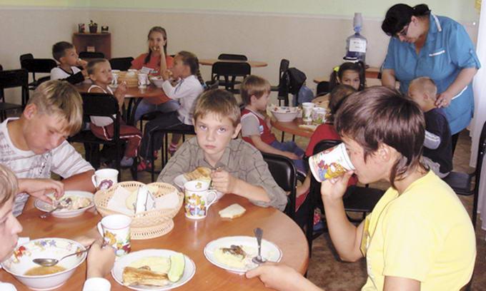 Чим харчують дітей у волинських таборах?
