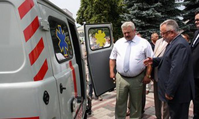 5 районних лікарень Волині отримали автомобілі «швидкої допомоги»
