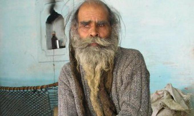 Індус, який не мився 37 років, смердить найдужче в світі