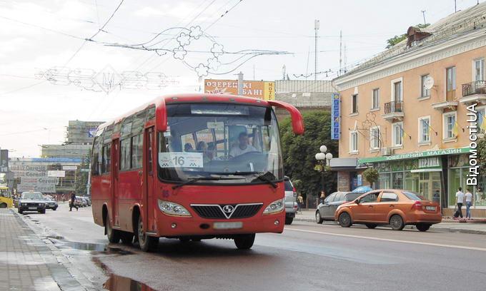 Луцькі маршрутки небезпечні для пасажирів