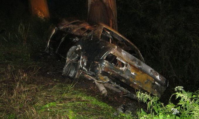 В автокатастрофі згоріли троє люди