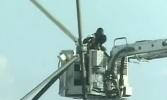 Американець шість днів просидів на 30-метровій вишці
