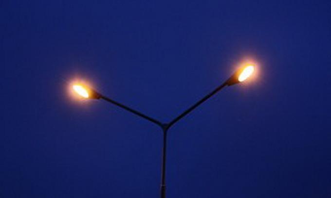 У селі Звірів Ківерцівського району на дорозі запалили ліхтарі