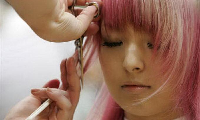 Японська компанія змусила своїх співробітників однаково підстригтися