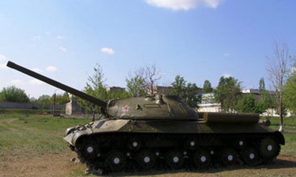 Чиновника затримали за спробу продати меморіальний танк
