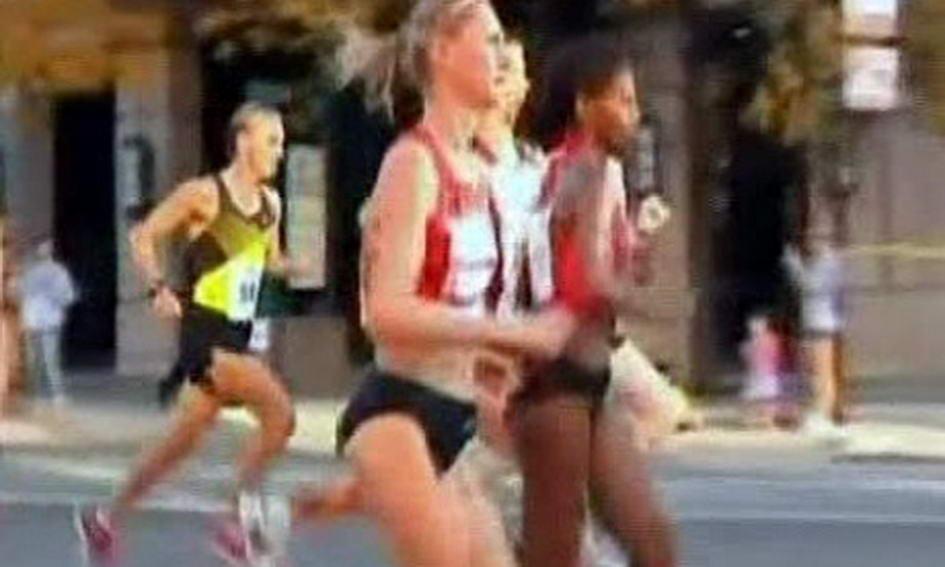 Учасниця марафону завершила забіг у пологовому