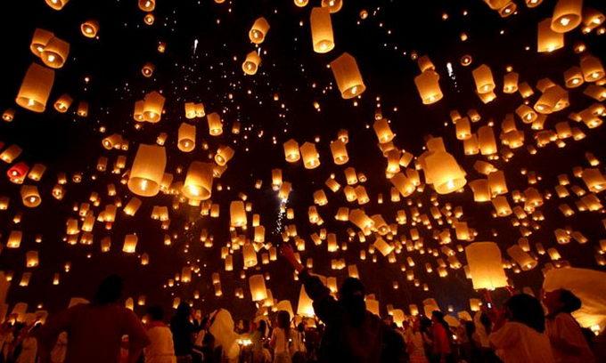 Мода на китайські ліхтарики долетіла до Луцька