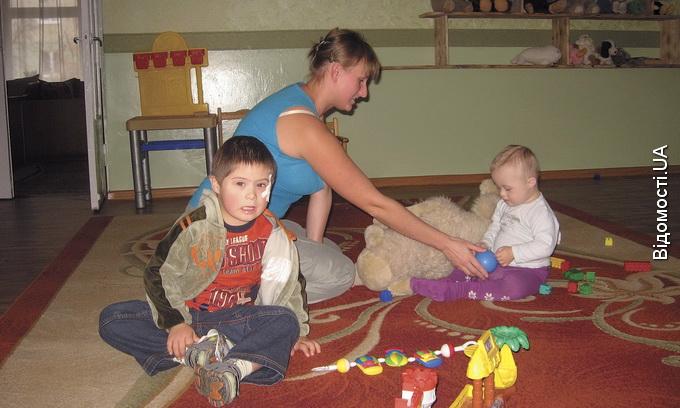 Чиновники позбавили дітей-інвалідів повноцінної реабілітації