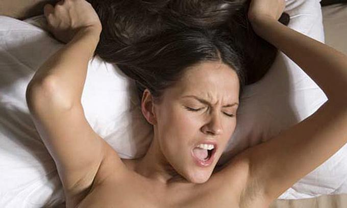 Жінки симулюють оргазм, боячись зради партнера