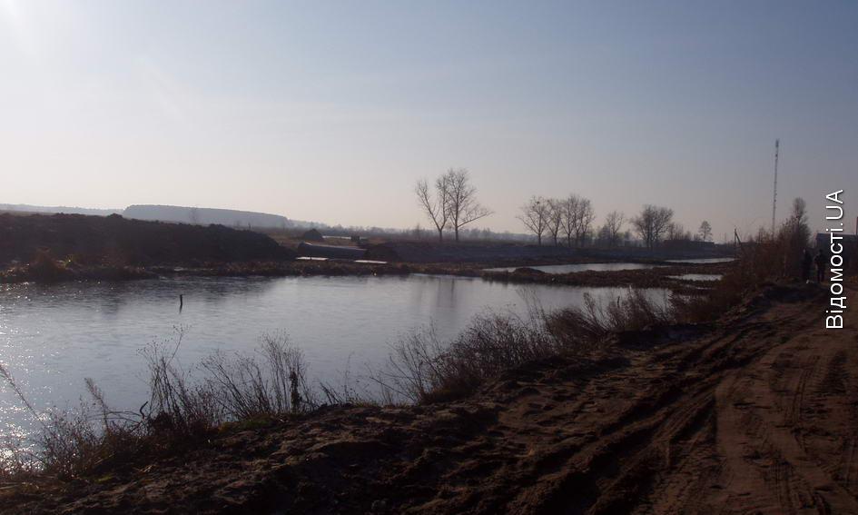 У Любешівському районі завершується будівництво двох дамб