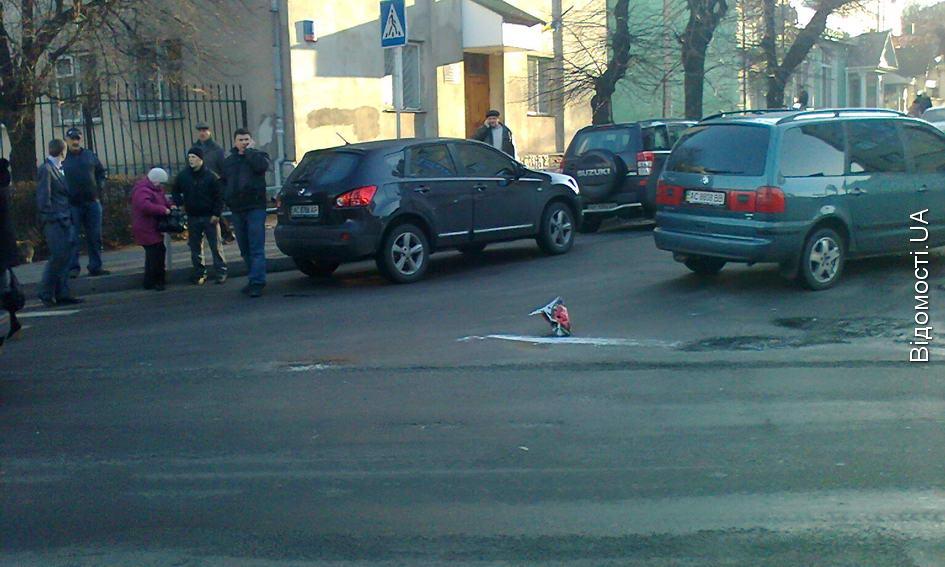 На пішохідному переході біля Центрального ринку збили двох людей
