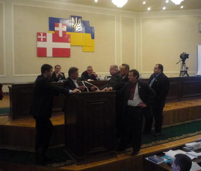 Волиняни не отримують допомогу з депутатських фондів