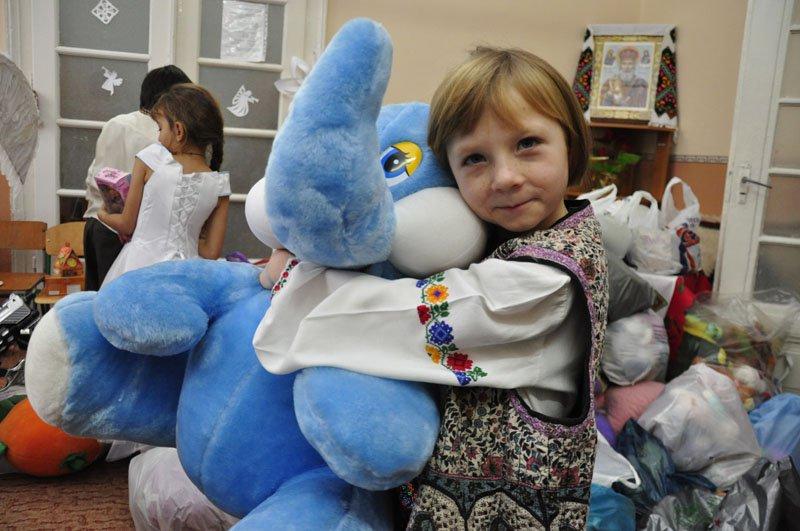Депутати скинуться грішми на дитячий фонд