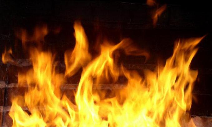 Пенсіонер загинув у палаючому будинку