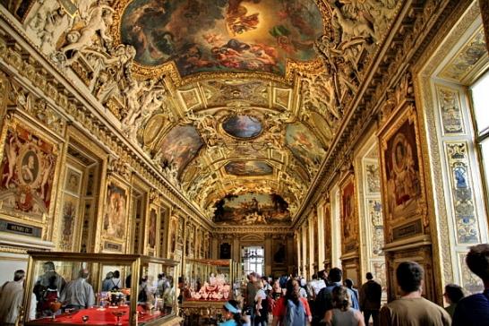 Найпопулярнішим музеєм світу назвали Лувр