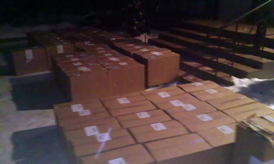 Поблизу Шацька затримали двох ділків із 65 ящиками цигаркової контрабанди