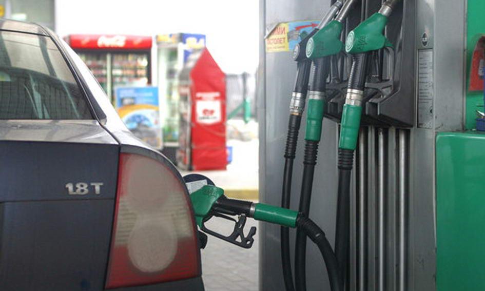 Волинські водії стали менше купувати бензину і дизпалива