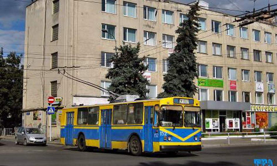 У Великодню ніч Луцьком курсуватимуть тролейбуси і маршрутки